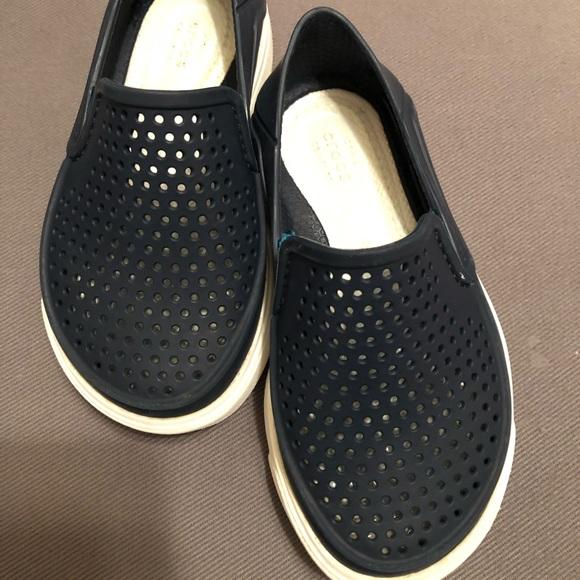 44d16814a0e41 CROCS Other - Crocs Kids  Citilane Roka Slip-On - Navy Size 7